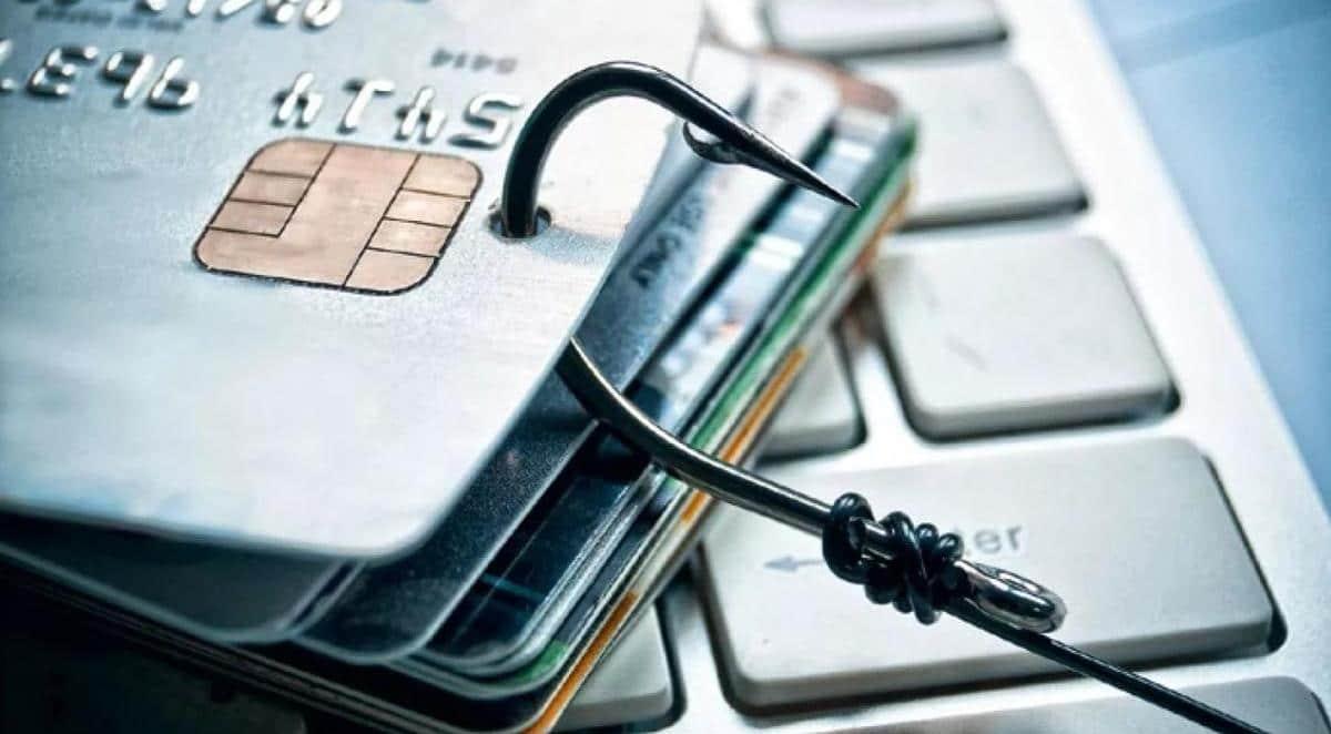 Как противостоять мошенническим схемам на финансовом рынке?