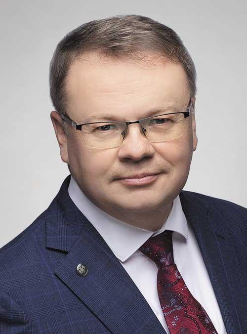 Автор на портале Клуб Директоров - Макаров Максим Николаевич