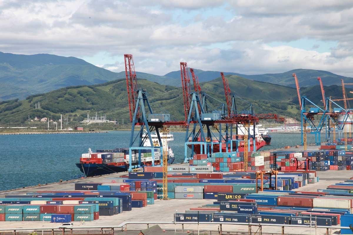 507 тысяч тонн транзитных грузов оформила Находкинская таможня за 6 месяцев 2021 г.